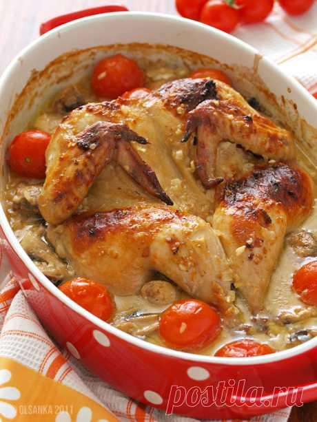 """Курица - """"бабочка"""" Какая часть запеченой курицы самая не вкусная для вас? Правильно:) Грудь конечно! Как ты птичку не маринуй, все равно грудина получается сухой и безвкусной.Ну это если готовить """"как обычно"""". Но есть о…"""