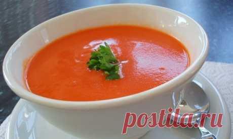 Жиросжигающий томатный суп на 100грамм - 49.62 ккалБ/Ж/У - 0.98/2.86/5.39  Ингредиенты: Корень сельдерея 1 шт. Помидоры 5 шт. Морковь 1 шт. Репчатый лук 1 шт. Оливковое масло 2 ст. ложки Зелень 40 г Соль Перец  Приготовление: Корень сельдерея очистите от кожицы, промойте под проточной водой и порежьте на мелкие кубики, затем выложите на сковороду, залейте небольшим количеством воды и потушите на медленном огне, пока он не станет мягким. Лук и морковь мелко нашинкуйте и обж...