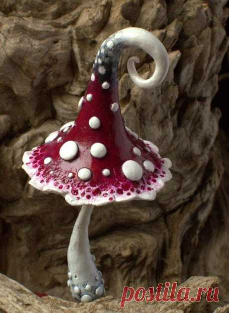Rot-weiß-schwarze Magie Polymer Ton Giftpilz Home Dekor von Petradi Trending Craft Ideas Using Paper