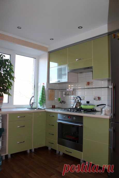 Моя кухня с мойкой у окна