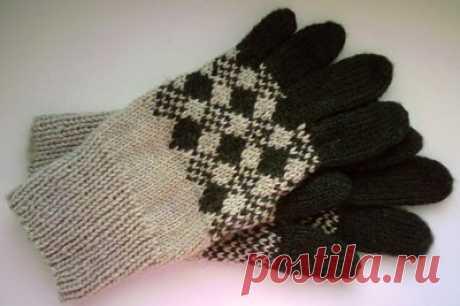 Knitting of gloves. MK