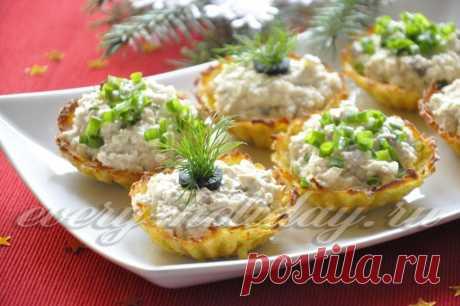 Картофельные тарталетки с форшмаком.