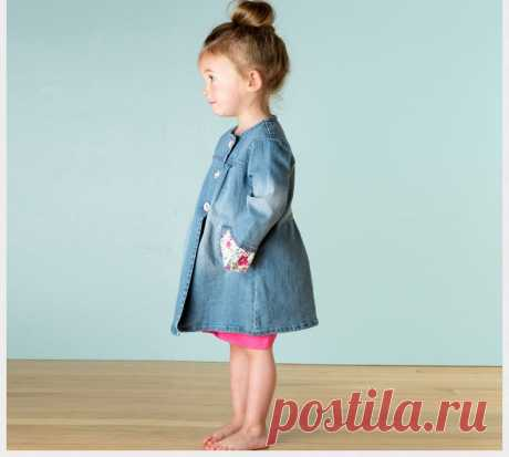Шьем джинсовый плащик для девочки  #прошитье #дети #плащ