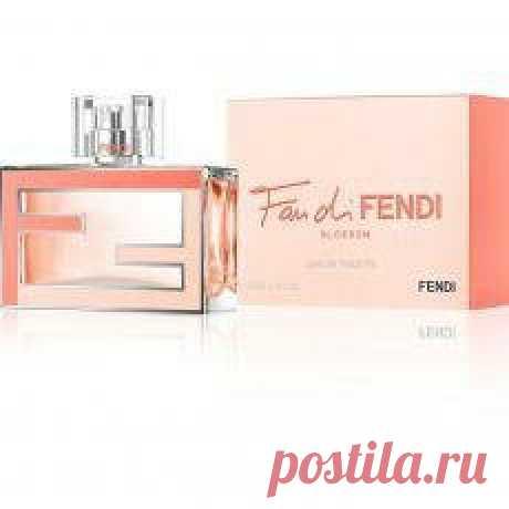 Шлейфовые ароматы для женщин: рейтинг  Шлейфовыми называются те парфюмы, базовая композиция которых отличается стойкостью и является узнаваемой. Ведь есть благовония, которые выветриваются сразу же после нанесения на кожу.
