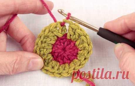 Как аккуратно сменить цвет нити при вязании крючком игрушек