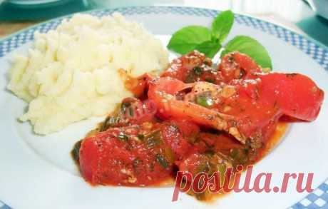 Тушеные помидоры с чесноком и луком рецепт с фото пошагово и видео - 1000.menu