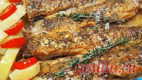 Запеченный минтай с горчицей: круче, чем дорогая рыба Запеченный минтай в горчице, который всего за 25 минут можно приготовить в духовке – это невероятно вкусное, ароматное и аппетитное блюдо. Рыба получается, как в ресторане, и круче, чем дорогие аналоги. Подайте на праздничный стол – и никто из гостей даже не догадается, какую рыбу вы использовали.