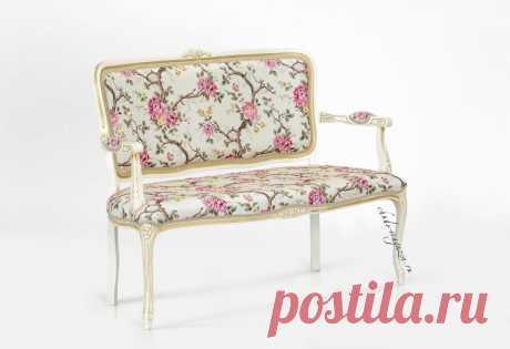 Кресло мягкое 2-х местное классическое для гостиной или зала: фото, ткани, вид.