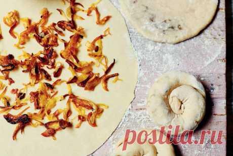 «Улитки» с луком по-киргизски рецепт – киргизская кухня: выпечка и десерты. «Еда»