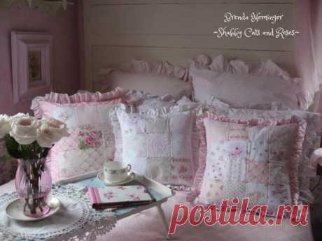 Шебби-подушки в интерьере