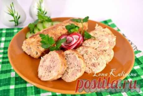 Рецепт домашних куриных колбасок - 10 пошаговых фото в рецепте Замечательные домашние куриные колбаски, приготовленные по этому рецепту, можно подать к любому гарниру на ужин или в качестве закуски на праздничный стол. Такие колбаски прекрасная альтернатива магазинной колбасе, их можно использовать для бутербродов на завтрак. Очень вкусно! Ингредиенты
