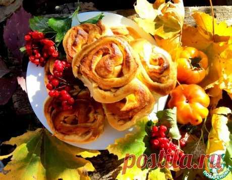 Ароматные булочки с корицей и карамелизованными яблоками – кулинарный рецепт
