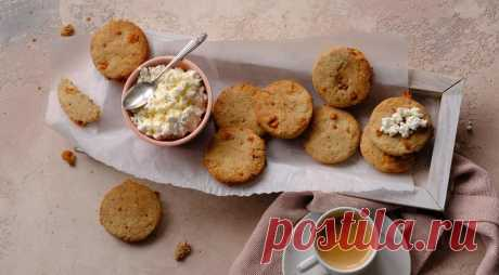 Печенье Голубой сыр с грецким орехом - ПУТЕШЕСТВУЙ ПО САЙТУ. Сыр с плесенью хорош и сам по себе, но ничего не мешает сделать его частью приятного вкусного и питательного блюда, например, печенья. Печенье с голубым сыром и грецким орехом составит отличную компанию кофе, чаю и молоку на завтрак, ланч или полдник. Его можно подать отдельно, как снэк, в качестве легкого …