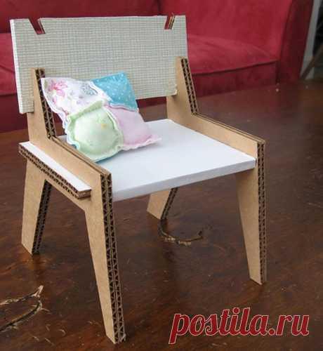 """Экологично и дёшево - мебель из картона Собрала модели которые, на мой взгляд, можно повторить самим. Но вообще, умельцы создают такой эксклюзив, что дух захватывает!   /www.pappmoebelshop.de"""" target=""""_blank"""">www.pappmoebelshop.de https:…"""