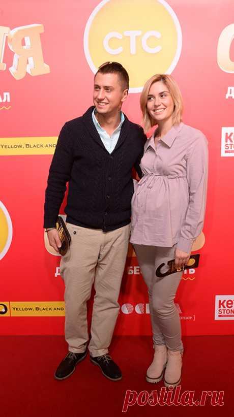 Павел Прилучный впервые вывел в свет беременную вторым ребёнком жену (ФОТО) - SUPER.ru