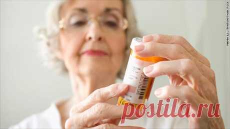 Известные российские медики рассказали о препаратах, которые требуются пожилым людям. Три главных «таблетки от...