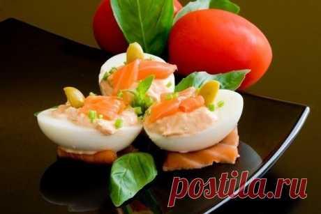 Как приготовить фаршированные яйца - рецепт, ингридиенты и фотографии