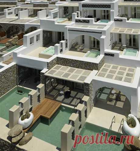 Традиционный средиземноморский стиль бутик-отеля на Миконосе Средиземноморский стиль традиционной архитектуры в и роскошный дизайн бутик-отеля восхищают каждой мелочью и гарантируют великолепный отдых на Минакосе