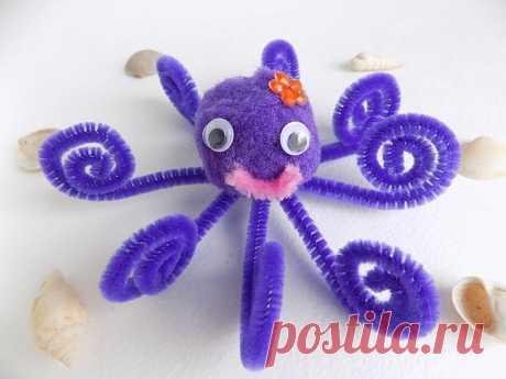 Как сделать осьминога из пушистого помпона и синельной проволоки - пошаговый онлайн мастер-класс для детей с фото на сайте Азбукиведия