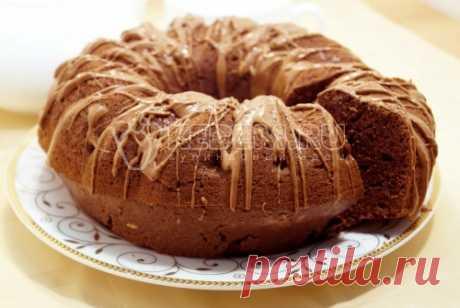 Шоколадный кекс «Изумительный»     Ингредиенты: Мука пшеничная  150 г  Какао  50 г  Масло сливочное несоленое  50 г  Сахар (песок)  100 г  Яйца  5 шт Разрыхлитель  10 г  Шоколад молочный (для украшения)  1 шт Соль  щепот.      Приг…