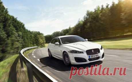 Темпераментный и дерзкий XFR – спортивное воплощение роскоши автомобилей Jaguar. С пакетом Speed Pack максимальная скорость автомобиля увеличивается с 250 до 280 км/ч.