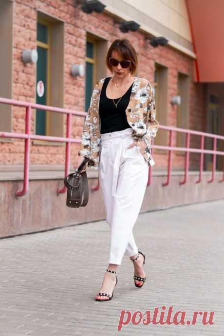 Стильные брюки 2021 для женщин за 50: трендовые модели и цвета
