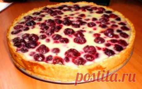 Вкусный и быстрый пирог с замороженными ягодами