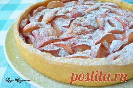 MY FOOD o es comprobado Lizoy: el pastel (maratón) Lezhsky de manzana