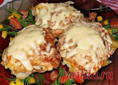 Восхитительная курица с грибами, запечённая под картофельной шубой Ингредие...