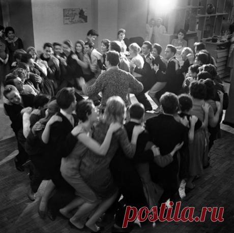 От шпаргалок до картошки: все, что хотелось знать о студентах СССР