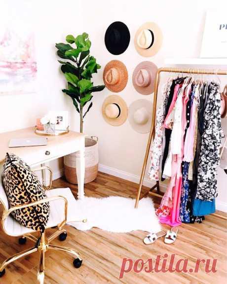 Объединяем гардеробную и кабинет. Решения дизайна для женщин.