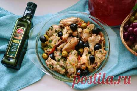 Курица тушеная по-средиземноморски - На Кухне Для тех, кто хочет быстро и вкусно приготовить ужин, предлагаем уникальный пошаговый рецепт приготовления тушеной курицы по-средиземноморски. Вкус мяса в результате такого приготовления приобретает кисловатый оттенок и, благодаря...