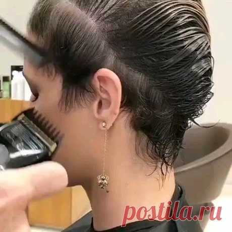[Video] Short haircuts can look good on your slender face. Many people say that hair is a crown for every woman. The statement seems to be true because many women are so intensively involved in hair appearance. Especially , when they are solely interested in hair care. Often, many women are less satisfied with their haircut …
