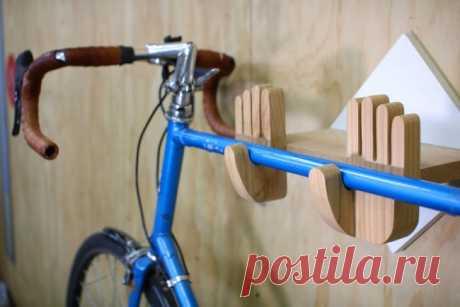 Оригинальный подвес для хранения велосипеда