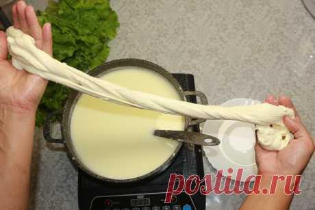 Приготовила сыр Моцарелла из 2-х ингредиентов за 30 минут по популярному рецепту из Ютуба: показываю, что получилось | Мастерская идей | Яндекс Дзен