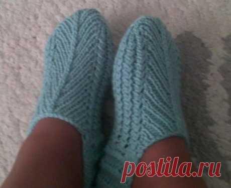 Простые тапочки-носочки спицами
