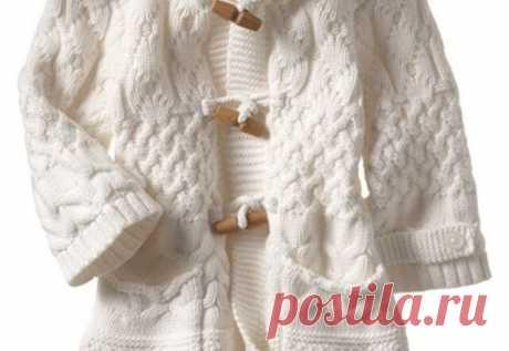 Демисезонное вязаное пальто для девочки Детское пальто подойдет на возраст 1,5 года, так и для 2-х лет (86-92 рр.).