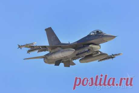 Фото F16C (AFR87362) - FlightAware
