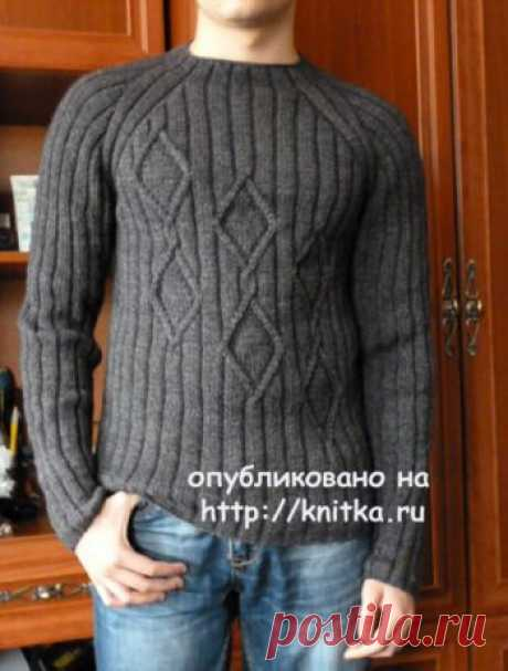 """Мужской пуловер спицами. Работа Марины Ефименко,  Вязание для мужчин Связала сыну пуловер. Он не любит накрученные модели, поэтому выбрали самую простую. Пряжа """"Удачная"""" (50% шерсть,50% акрил). Ушло 5 мотков (250м в 100гр.)."""