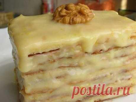 Слоёное пирожное со сгущёнкой Нежные и мягкие пирожные из слоеного теста и крема со сгущенкой, просто тают во рту!