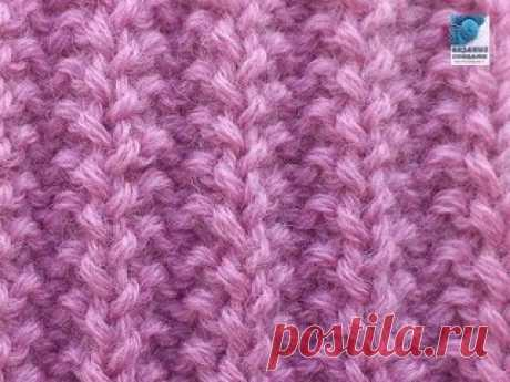 Французская резинка   Французская резинка используется при вязании одежды: шапок, шарфов, свитеров, пальто. Французская резинка связанная спицами относится к узорам, которые исполняются из изнаночных и лицевых петель. Одним из отличительных качеств французской резинки является ее объемность. Если узор выполнить довольно плотно, он будет похож на мелкое гофрирование. Это способствует его частому использованию в вязании детской одежды. Показать полностью…