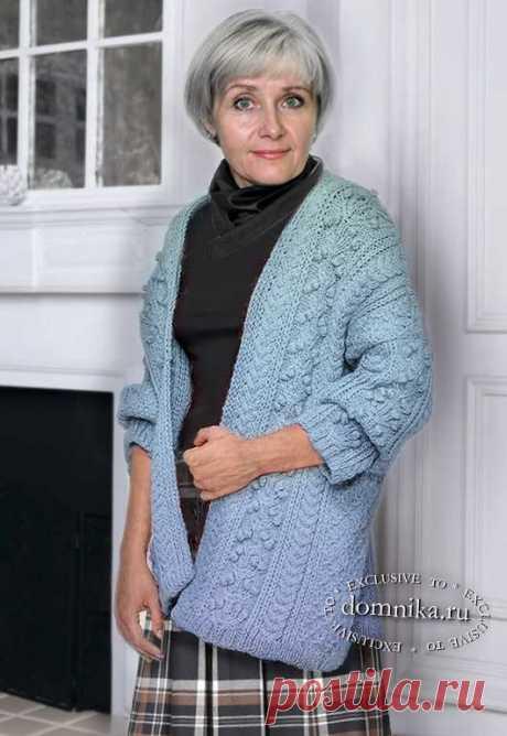 Стильный кардиган спицами для полных женщин старше 60 лет