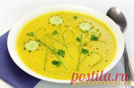 Бархатистый крем-суп из кабачков.