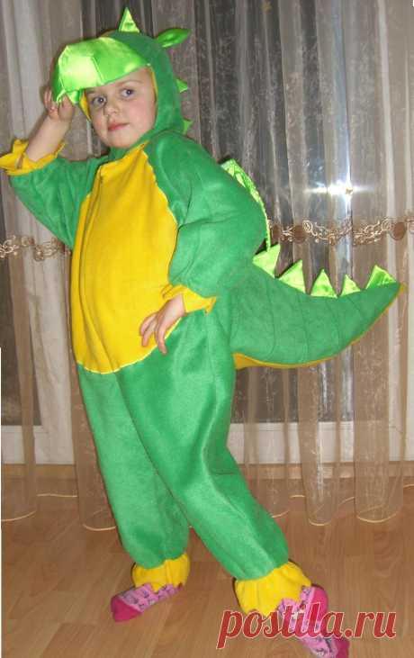 Костюмы динозавров, дракончиков, Змея Горыныча:)