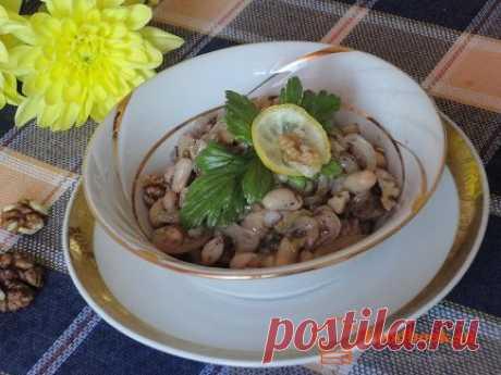 Салат с фасолью   Foodbook.su Очень легкий и простой рецепт салата с фасолью. Приготовление займет максимум 20 минут.