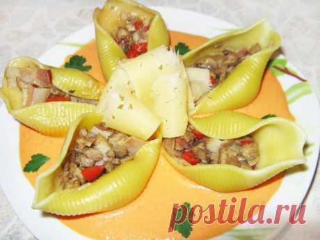 Тушеные конкильони с овощами и беконом - рецепт с фото пошагово