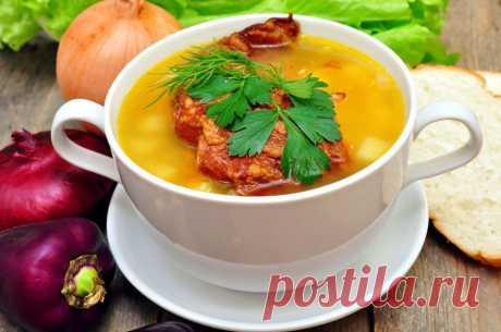 Как приготовить гороховый суп с копчеными ребрышками - Гороховый суп с копчеными ребрышками сытный и согревающий. Приготовить его можно как из целого, так и из колотого гороха. Чтобы горох сварился быстрее, его нужно предварительно замочить. Целый — на... Read more »