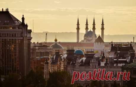 Такая необыкновенная Казань,  Казань - пожалуй, не найдется человека, который не слышал об этом городе, отразившем в своем облике дух Востока и Запада, обьединившем множество культур и обычаев. Попав в Казань, вы, непременно, уди…