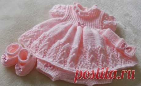 Розовый комплект для девочки.