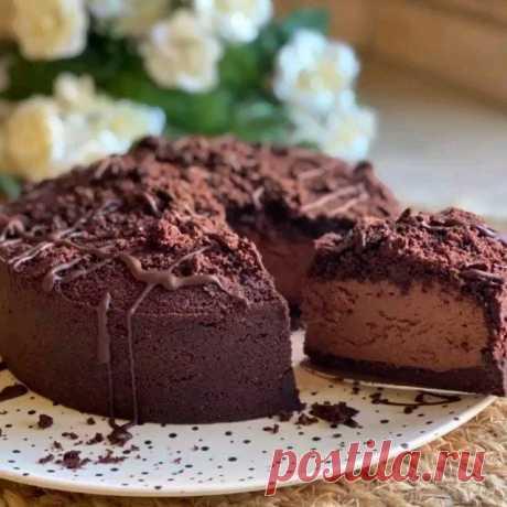 Сегодня я к вам с новым, очень лёгким тортиком, который не требует выпечки. Любите шоколад, тогда рецепт точно для вас!!!! ⠀